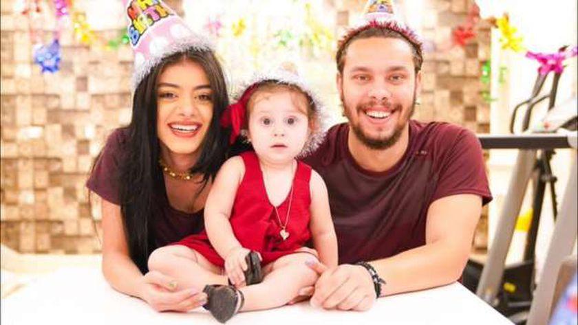 أحمد حسن وزوجته وابنتهما