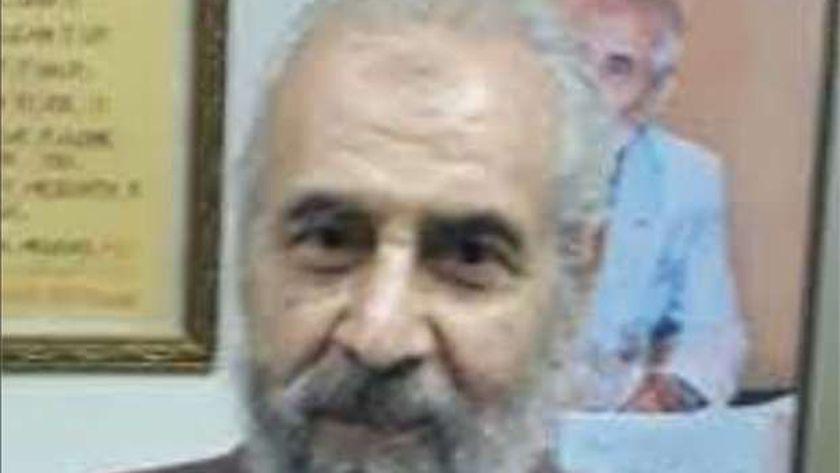 الدكتور فاروق مراد أحد رواد الجراحة المؤسسين لقسم الجراحة بطب أسيوط