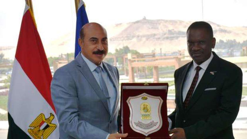 محافظ اسوان ييستقبل سفير ناميبيا بمصر