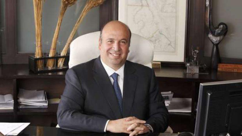 الدكتور أحمد هيكل