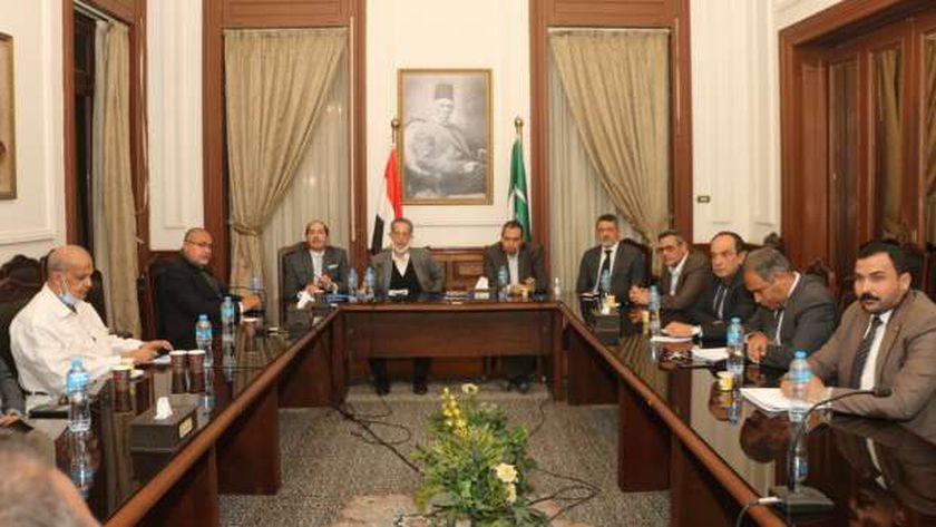 جانب من اجتماع لجنة حزب الوفد بالقاهرة