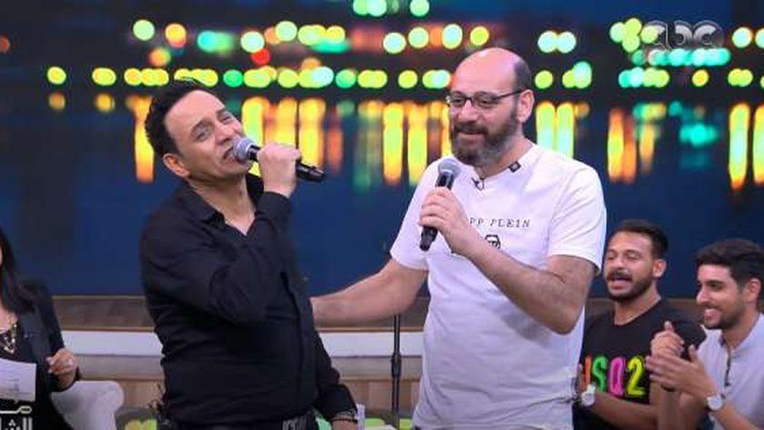 مصطفى قمر وشقيقه ياسر قمر