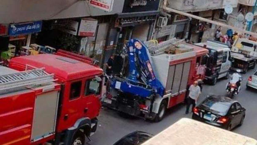 عربات الحماية المدنية بعد سقوط سقف شقة في الإسكندرية