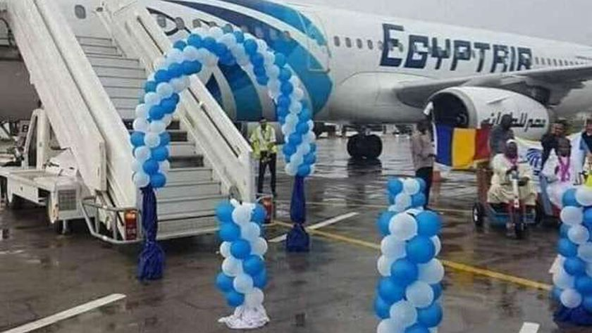 الحكومة تبحث حل أزمة توقف رحلات الطيران للكويت