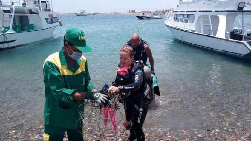 جمع ٣٠ طن مخلفات في مبادرة اتحضر للاخضر بشواطئ البحر الأحمر