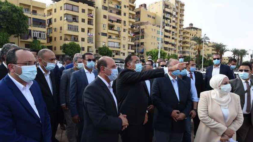 مدبولي يكلف بضغط برنامج تنفيذ مشروع تطوير ساحة مسجد عمرو بن العاص