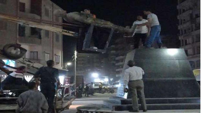 القصة الكاملة لرفع تمثال الشهيد أحمد منسي من ميدان منيا القمح