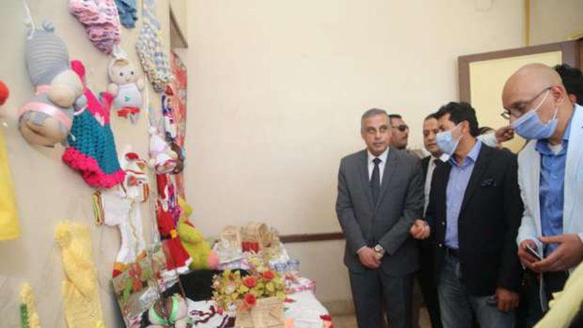 وزير الشباب والرياضة يتفقد مركز شباب مدينة بسوهاج ونادي المحليات ويتابع الأنشطة المختلفة بالمركز