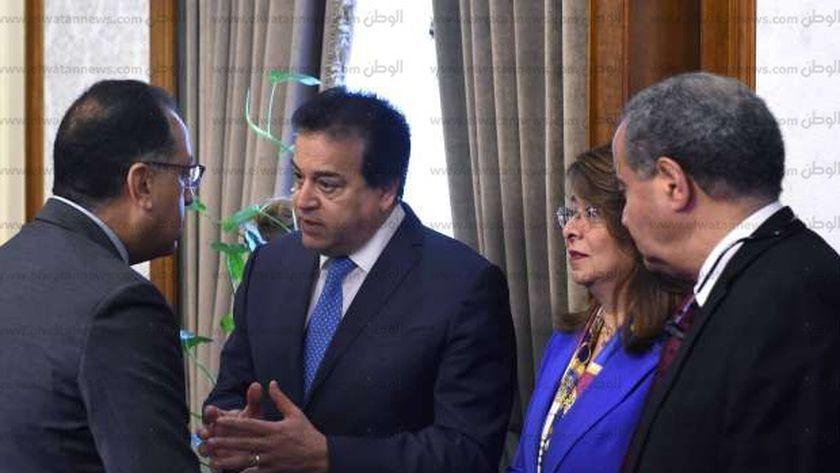 الدكتور مصطفي مدبولي بصحبة خالد عبد الغفار خلال اجتماع مجلس الوزراء