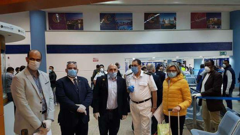 مرسى علم تستقبل رحلات طيران المصريين العالقين