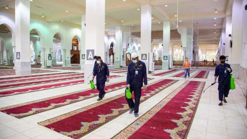 المساجد تتهيأ للصلاة