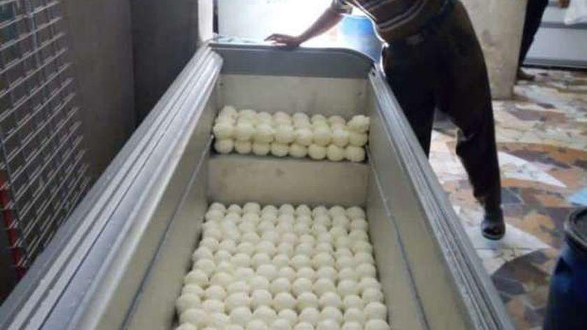 ضبط 1425 كيلو زبدة مغشوشة بمصنع بدون ترخيص بالفيوم