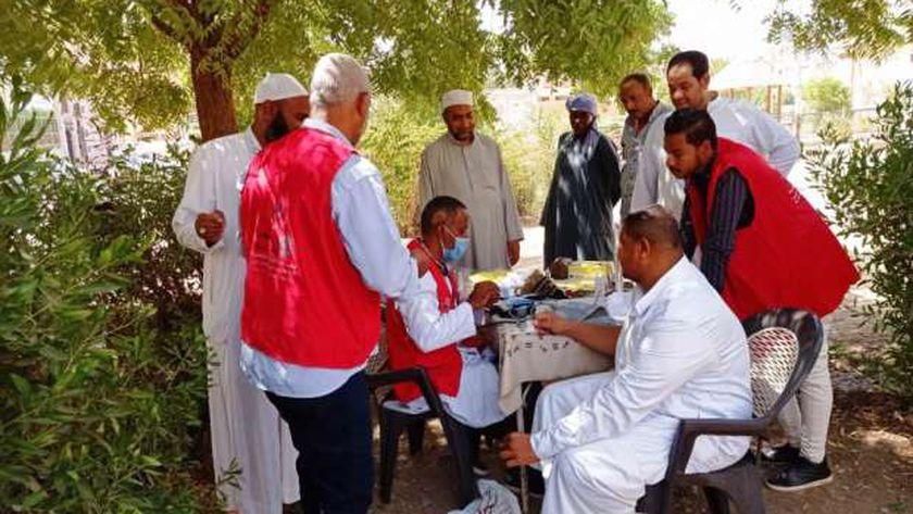 استمرار مبادرة علاج الأمراض المزمنة بمشاركة 79 مركزاً بأسوان