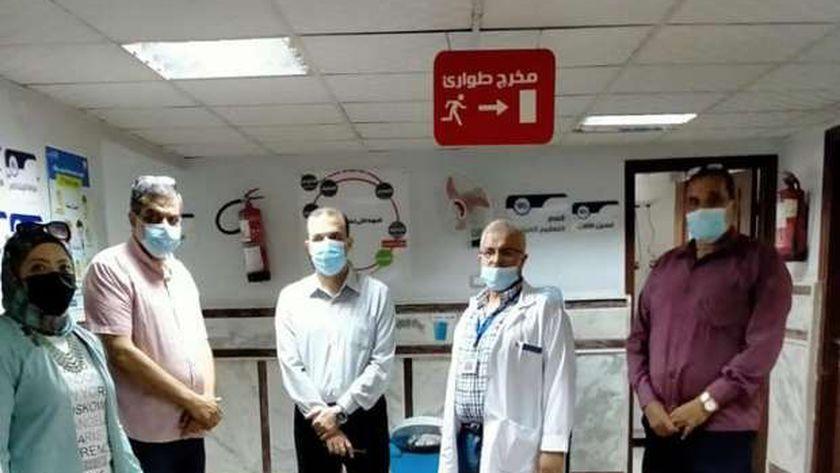 وكيل صحة دمياط يبحث حل مشكلة التزاحم بمستشفى الرمد