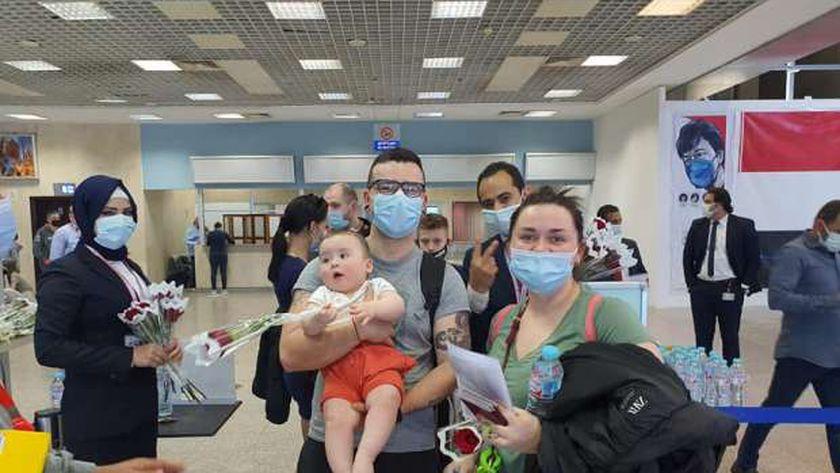 مطار شرم الشيخ يستقبل السائحين