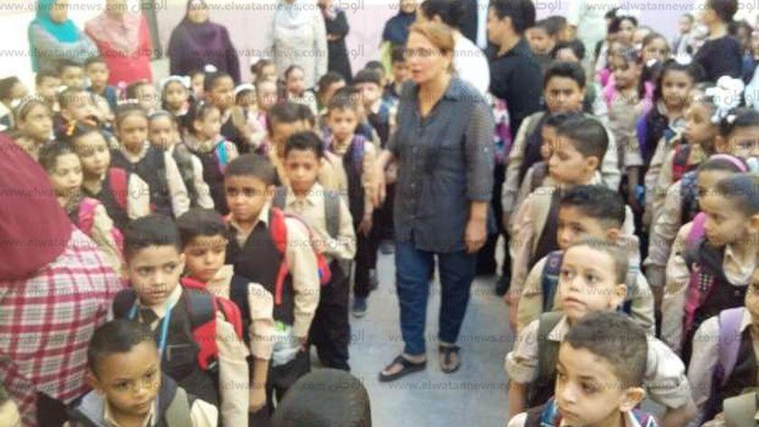 محافظ أسيوط :انتظام الدراسةبرياض الأطفال والصفوف الأولى وإضافة 822 فصل دراسي جديد