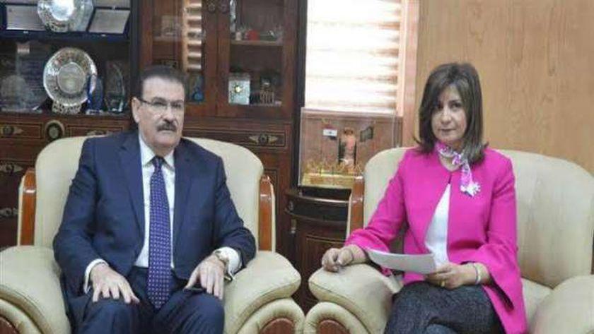 لقاء سابق بين ضاحي ووزيرة الهجرة لمناقشة أزمة ابو القاسم