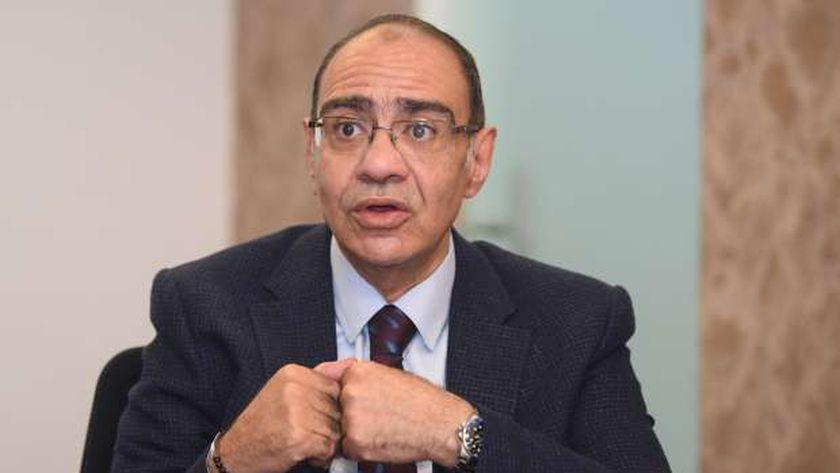 الدكتور حسام حسني .. رئيس اللجنة العلمية لمجابهة فيروس كورونا المستجد «كوفيد19»