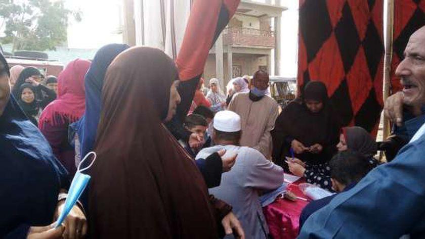 المرأة تتصدر المشهد الانتخابي في ثاني أيام الانتخابات بالفيوم