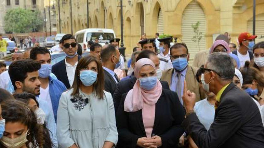 وزيرة الهجرة في جولة مع شباب الدارسين في الخارج