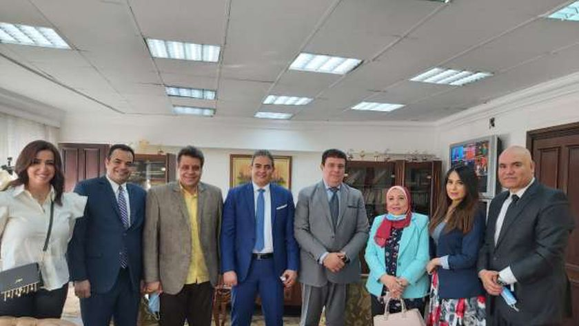 حسين زين وطارق سعدة على هامش اللقاء