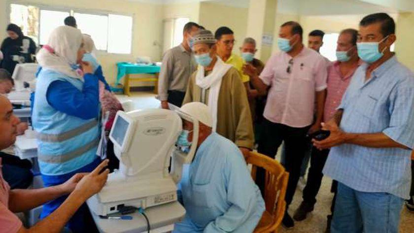 """إجراء الكشف الطبي على 1200 مريضا ضمن مبادرة"""" نور الحياة """" بدعم صندوق تحيا مصر"""