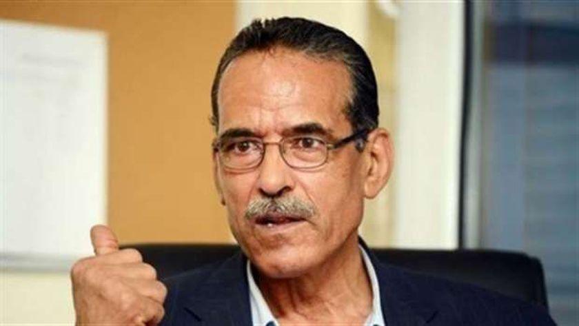 الدكتور عزازي علي عزازي، محافظ الشرقية الأسبق