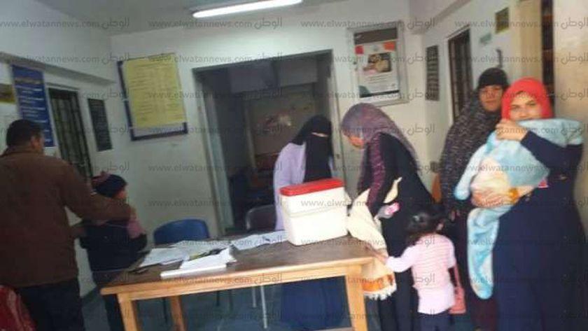 جانب من حملة التطعيم ضد شلل الأطفال