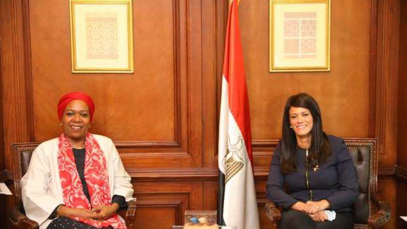 الدكتورة رانيا المشاط والسيدة مي علي بابكر