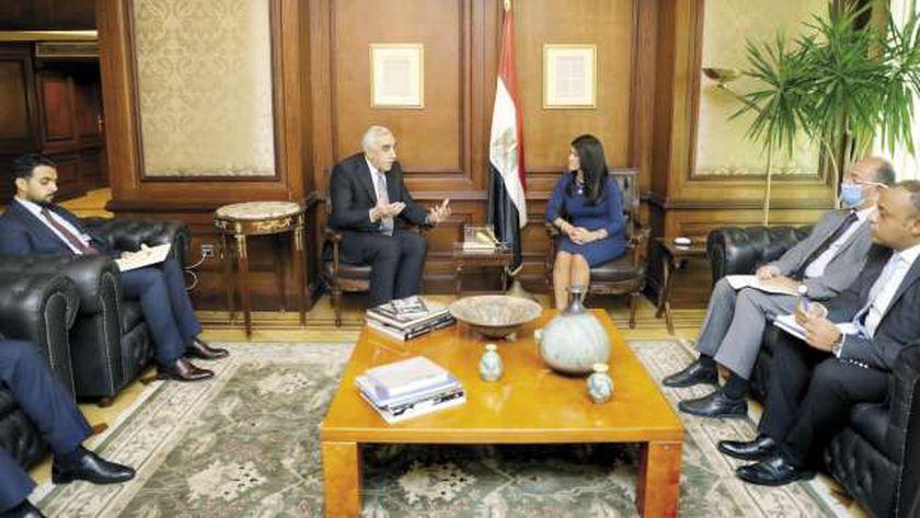 وزيرة التعاون الدولى خلال لقائها السفير العراقى فى القاهرة