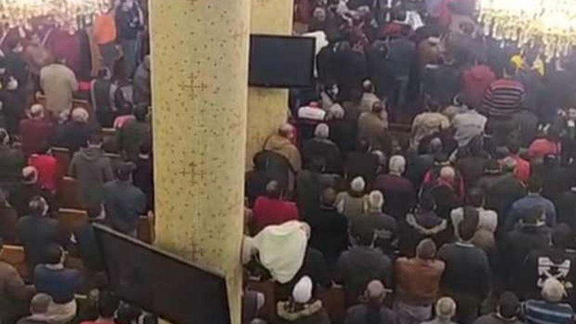 صور.جنازه جماعية 6 من أسره مسيحيه من ضحايا حادث المنزل المنهار بالمحلة