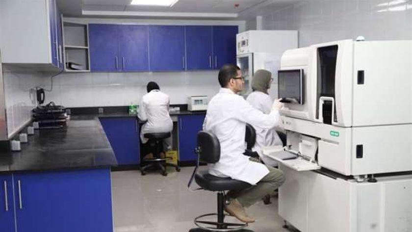 معمل الباثولوجي بمستشفى شفاء الاورمان