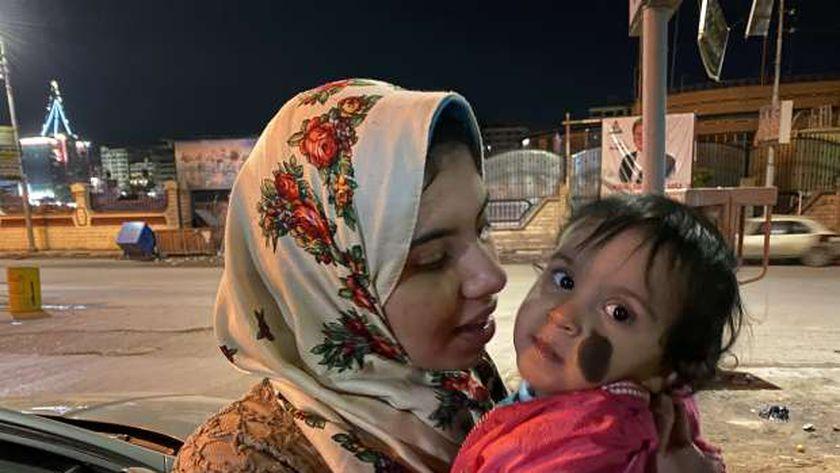 الأم وطفلتها