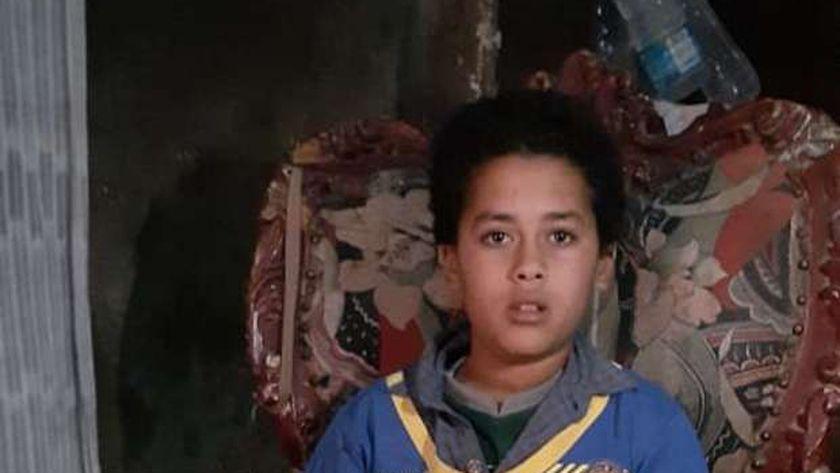 """""""زياد"""" ينتظر تحقيق حلمه غدًا """"تسنينه"""" واستخراج شهادة ميلاده بالفيوم"""