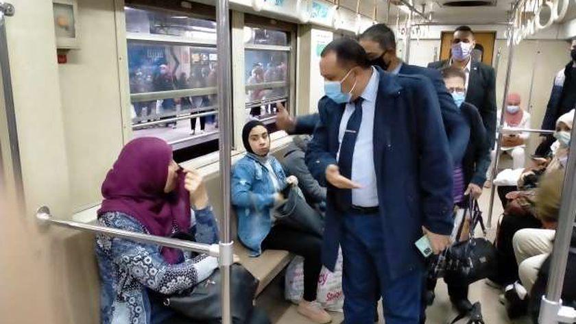 أحمد عبدالهادي المتحدث الرسمي باسم شركة مترو الأنفاق يشدد على ارتداء الكمامات الطبية داخل القطارات