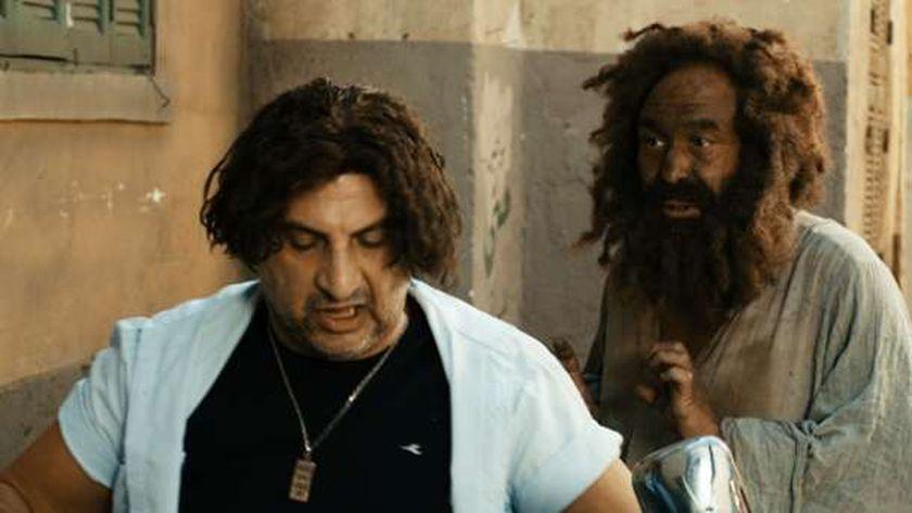 خالد الصاوي وخالد صالح في مشهد من فيلم «الحرامي والعبيط»
