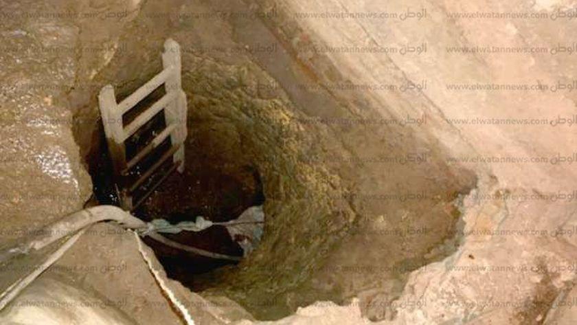 ضبط ٤ اشخاص أثناء تنقيبهم عن الآثار دخل منزل بسوهاج