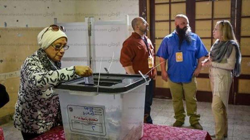 مراقبة دولية للانتخابات وسط مشاركة واسعة من كبار السن