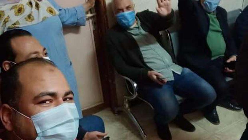 صحة بني سويف تبدأ تطعيم أطباء عزل ناصر العام بلقاح كورونا