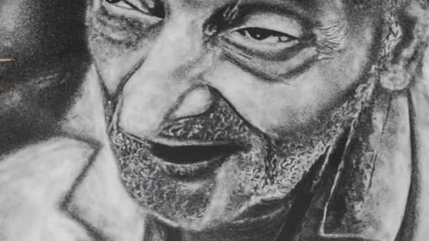 فنان شرقاوي يرسم صورة بالملح لطبيب الغلابة تخليدا لذكراه