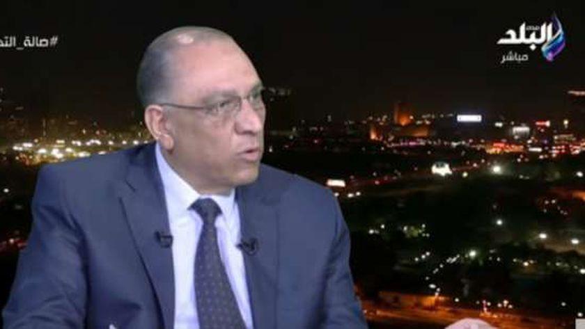 الدكتور طارق توفيق