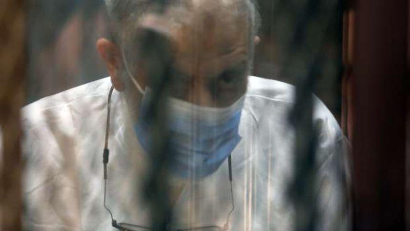 محمود عزت اثناء نظر محاكمته