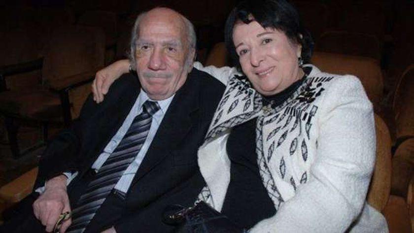 الفنانة سميرة عبدالعزيز وزوجها الكاتب الراحل محفوظ عبدالرحمن