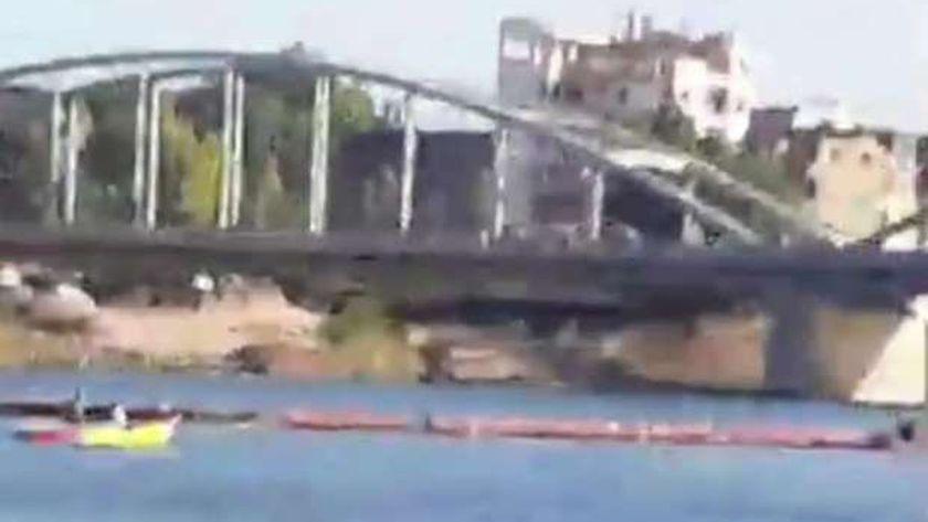 استمرارجهود الانقاذ النهري والدفع بمراكب لانتشال طالبة الثانوية منتحرة