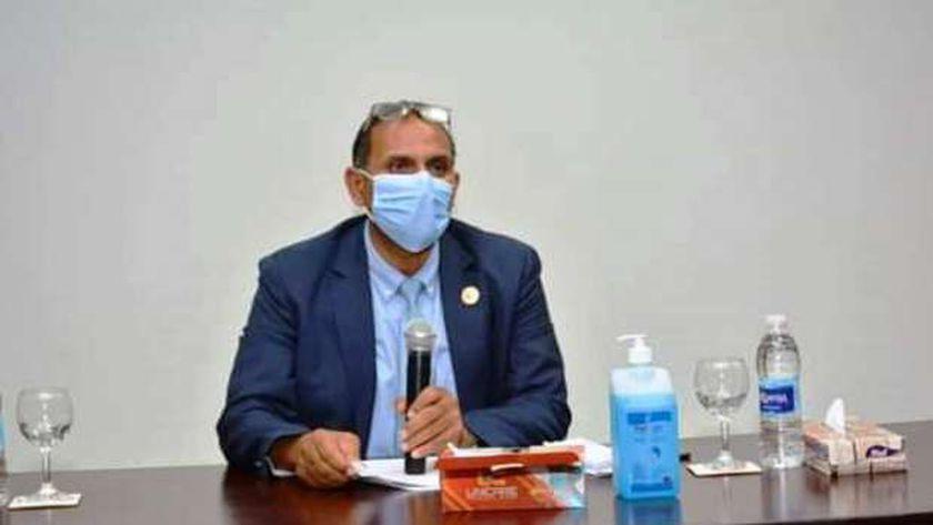 الدكتور أحمد غلاب