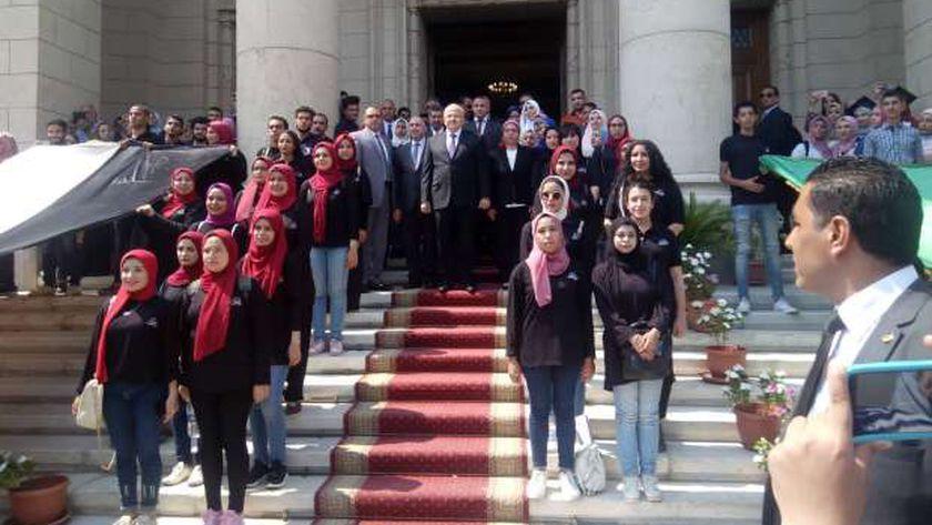 جامعة القاهرة تعزف السلام الوطني تزامناً مع انطلاق الدراسة