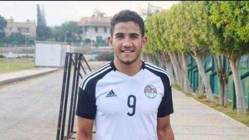 عبد الرحمن عاطف اللاعب الذي توفي بعد بلع لسانه