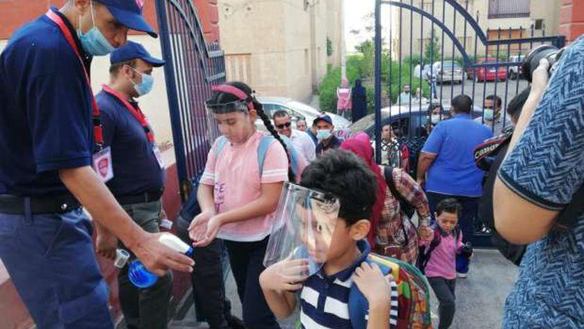 المدارس المصرية اليابانية تستقبل الطلاب في أول أيام العام الدراسي الجديد