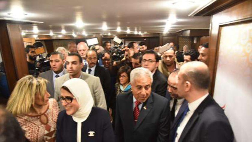 وزيرة الصحة خلال تدشين المستشفى العائم بأسوان