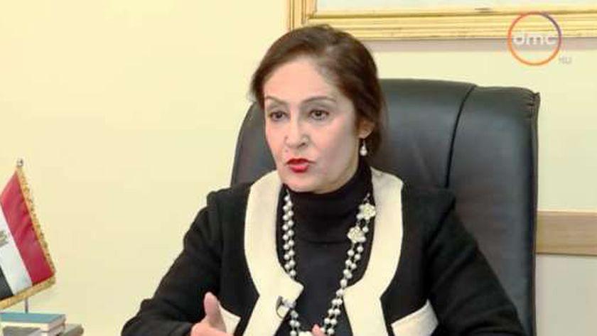 السفيرة نائلة جبر رئيس اللجنة الوطنية لمكافحة الهجرة غير الشرعية والاتجار بالبشر